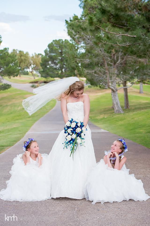 blue and flower girls